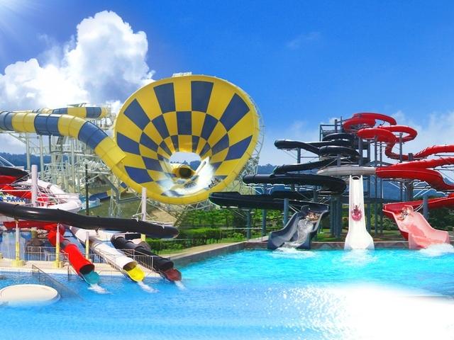 【芝政ワールド】日本最大級のリゾートプール!