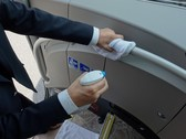 バスの除菌作業