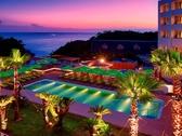 【天然温泉プール】南国のリゾート感にあふれ、年中利用可能♪ ※イメージ画像