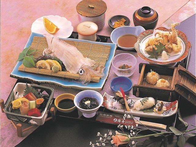 ご当地グルメのご昼食「呼子名物 いかづくし会席」 ※いかは大皿での提供となります