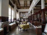 往時の隆盛が偲ばれる旧唐津銀行